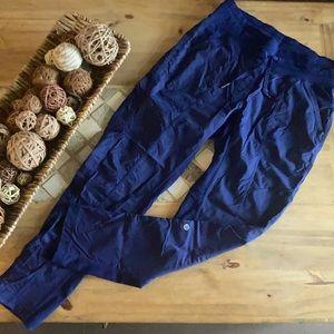 Lululemon cargo pant, women's Sz.S